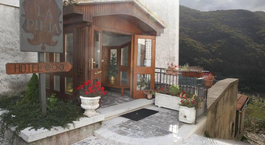 PICCOLO HOTEL OPI PARCO ABRUZZO - Opi