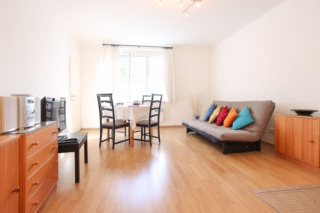 wieden mini zentral gelegene 2 zimmer wohnung wohnungen. Black Bedroom Furniture Sets. Home Design Ideas