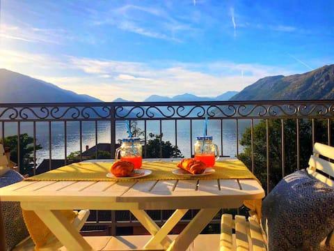 Moderan i elegantan stan - spektakularna terasa s pogledom na more