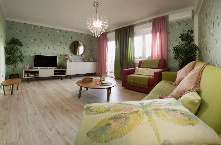 Bacvice Beach Butterfly Luxury Apartment