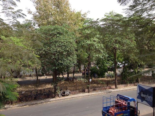 Art studio room 3 : short term stay - Ahmedabad - Lägenhet