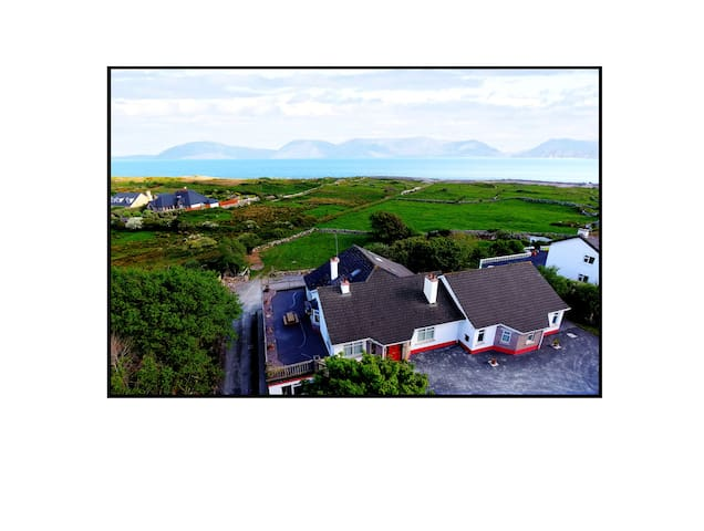 Large house. Amazing sea views. 10 mins to Galway