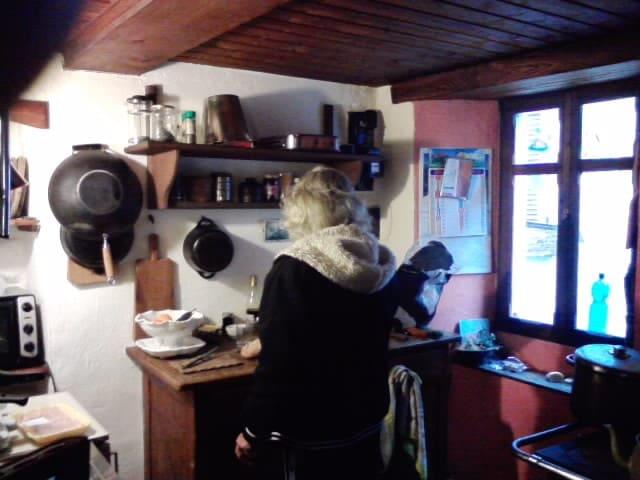 Piccola camera in casa di montagna - Curiglia - Maison