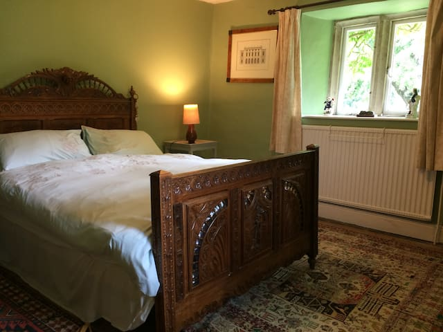 Character  Double Room In The Cotswold Countryside
