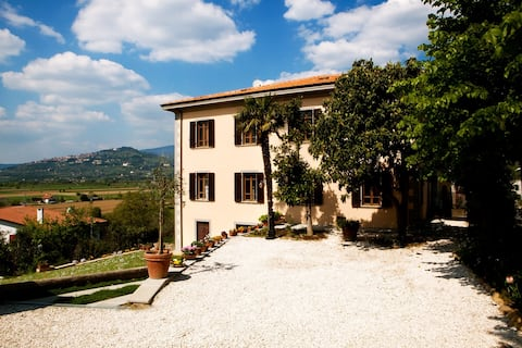 Le More Summer House-Your Romantic Tuscan Fall