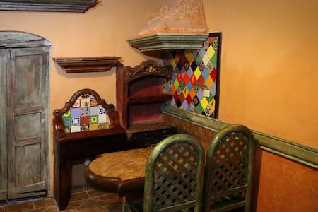 Tiny apartment with kitchen and bathroom - San Miguel de Allende