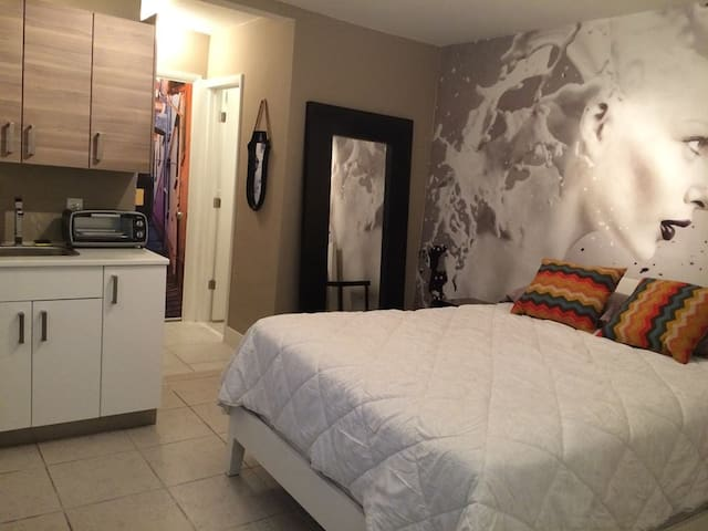 Trendy/Stylish room in Wynwood 1455