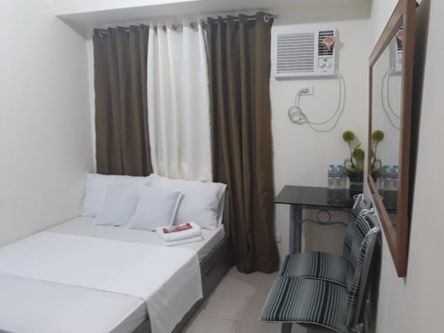 Mandaluyong Stay Inn at Urban Deca Tower with wifi