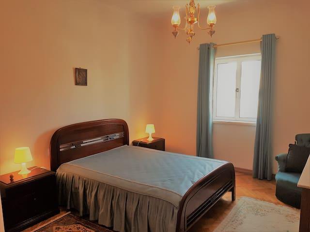 CAPARICA QUIET DOUBLE ROOM1 byHOSTPOINT - Charneca de Caparica - Guesthouse