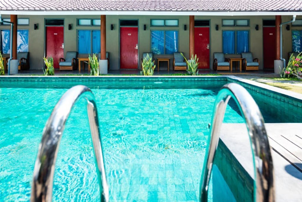 All deluxe rooms are facing the backyard pool