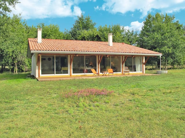 Holiday home in St. Julien-en-Born - Saint Julien-en-Born - House