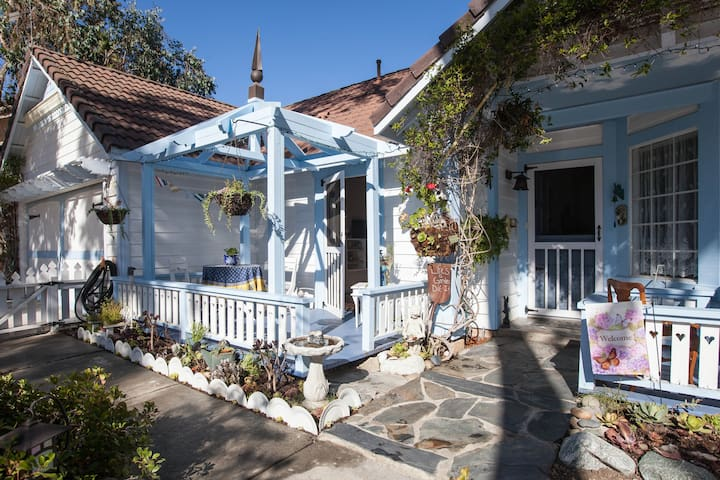 Eucalyptus Cottage-A Petite Retreat - Oceanside - Bungalov