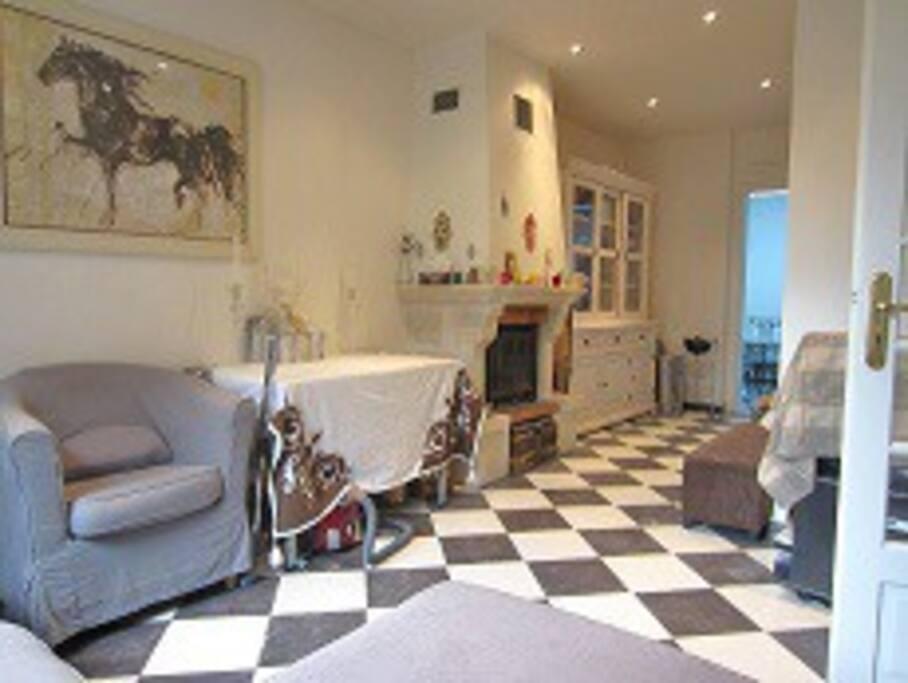 maison a deauville maisons louer deauville basse normandie france. Black Bedroom Furniture Sets. Home Design Ideas