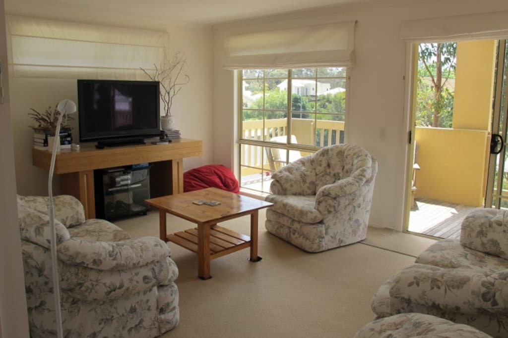 Lounge has DVD & Play Station, board games & plenty of magazines for those wanting leave technology alone.