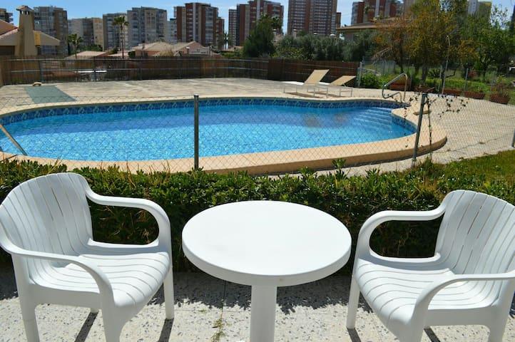 Nice room,breakfast,pool,parking,near the beach