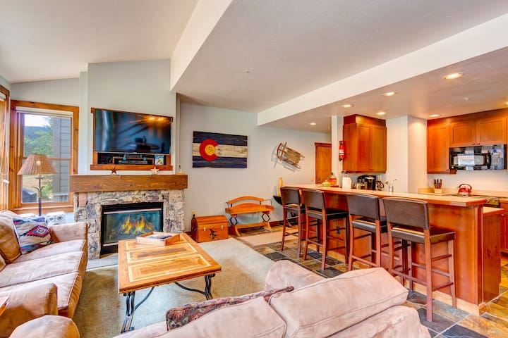 Main Street Junction Condo, a Short Walk to Everywhere You Want to Be