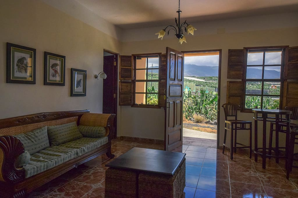 Ground floor livingroom with satellite & digital TV, free wifi and access to 4 bedrooms, 2 bathrooms the dining room and big kitchen