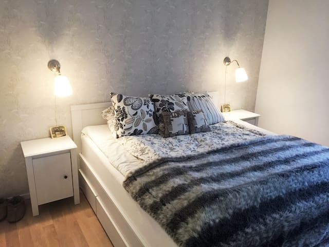 Beautiful 2-room apartment near Karlstad Downtown - Karlstad - Lejlighed