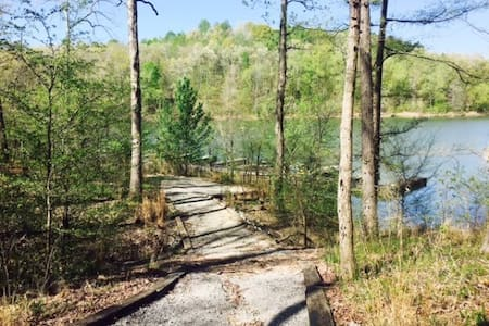 Nolin Waterfront at Mammoth Cave/Bourbon Trails