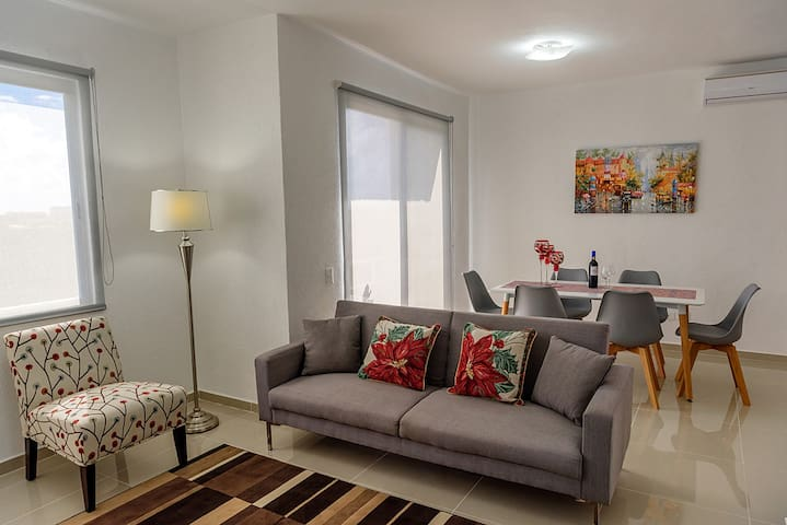 F-703 Deluxe Cancun Suite Worths $200 Just for $50