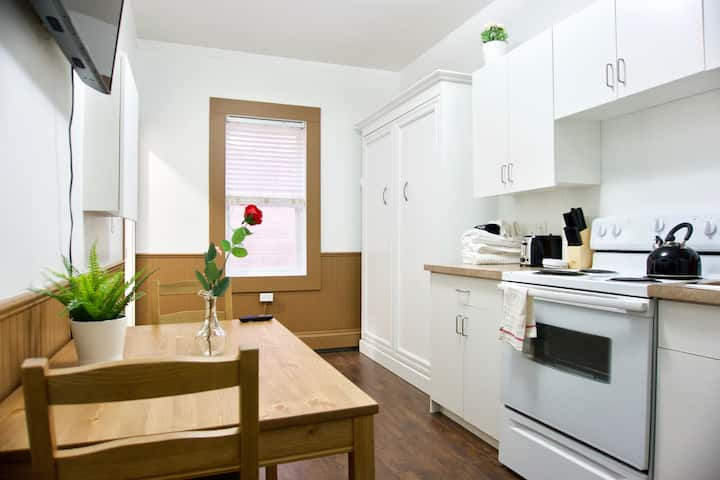 Amazing Affordable Apartment Downtown | Parking | Location | Coffee
