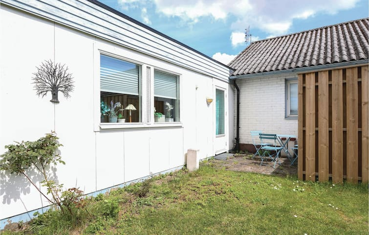 Holiday apartment with 1 bedroom on 50m² in Ystad