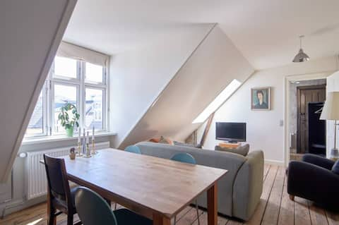 Bright 2 room apartment for yourself, best area