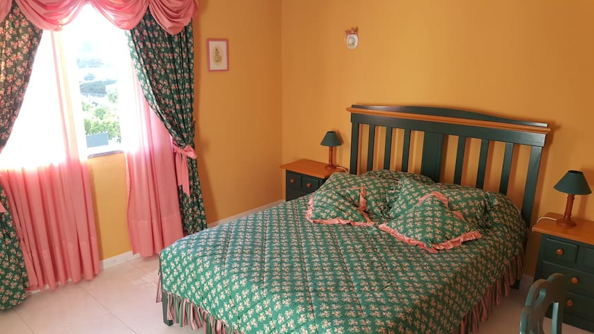 """Two Double Bedrooms - Guest House """"O Nuno"""""""