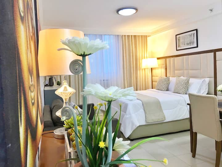 Attractive modern condotel with free WiFi & cable