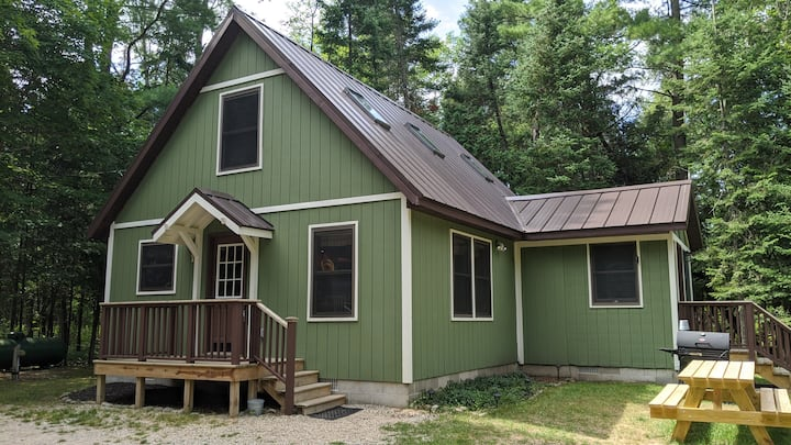 Woolly Bugger- A Cozy Cabin on the Betsie River!