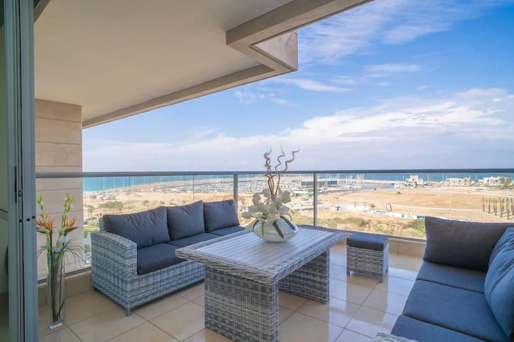 Luxury Marina Beachfront by Airsuite