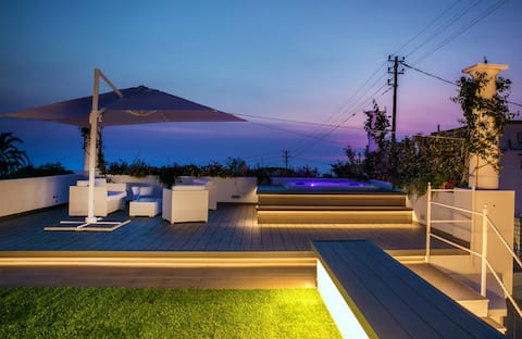Vista mare e tramonto da terrazza con Jacuzzi.