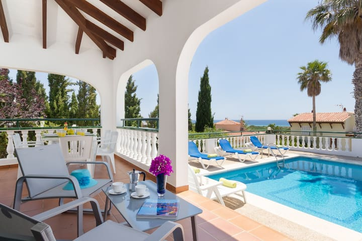 With pool and beautiful views - Villa Carolina