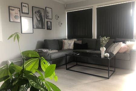 Fin 3 roms leilighet med hage og terrasse