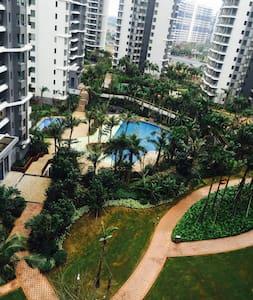高级豪华小区园景房,环境一流有泳池蓝球场 - Haikou Shi