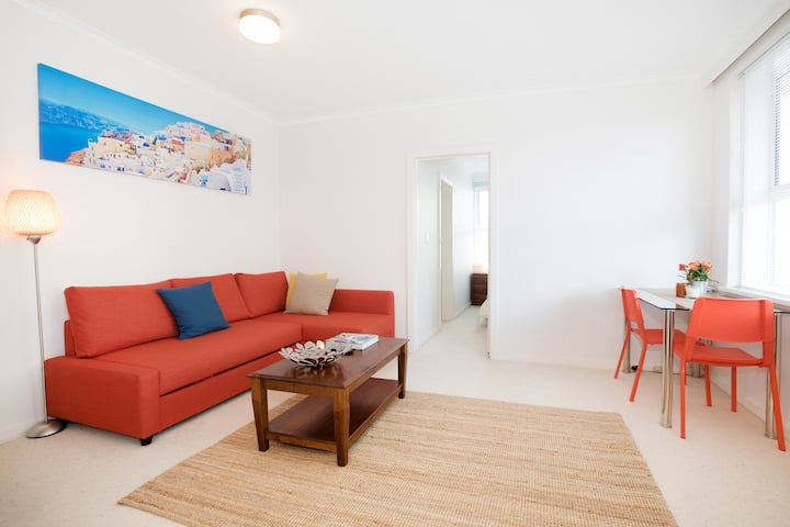 Modern 1BR unit in South Yarra-short & long stays