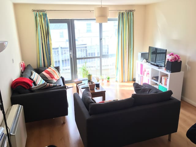 Private room, private bathroom - Fairview - Huoneisto