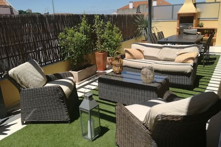 Appartement avec terrasse de 40m2.(Parking wifi)