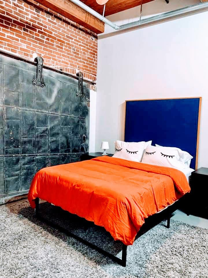 ✦Cozy Downtown Hotel Loft✦Roof Deck✦INTRO PRICE✦