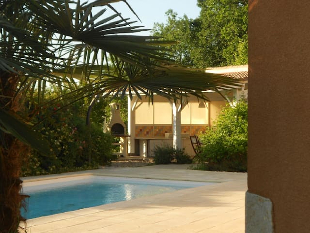 Villa with private pool, sleeps 8 - Saint-André-et-Appelles - Hus