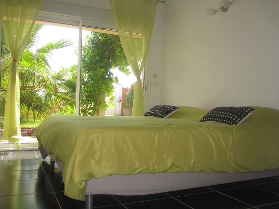 belle chambre parentale et sdb privative villas for rent