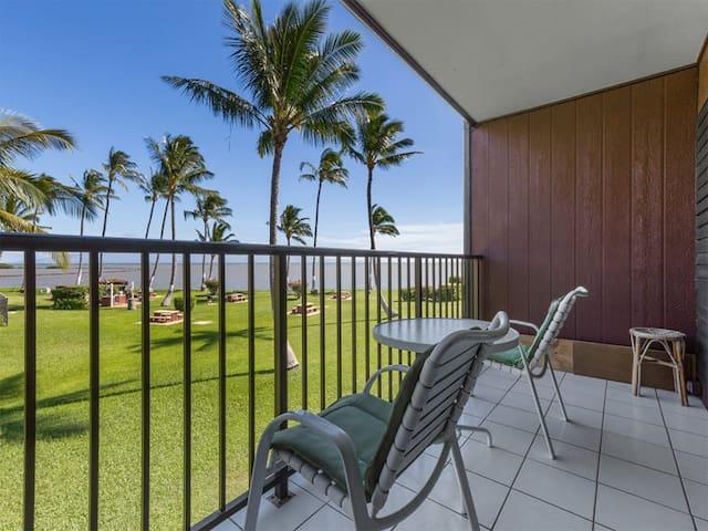 Easy Living! Kitchen, Flat Screens, Ceiling Fans, Pacific View Lanai–Molokai Shores 210
