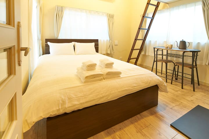 Loft (4 guests) 7 mins walking from IKEBUKURO sta.