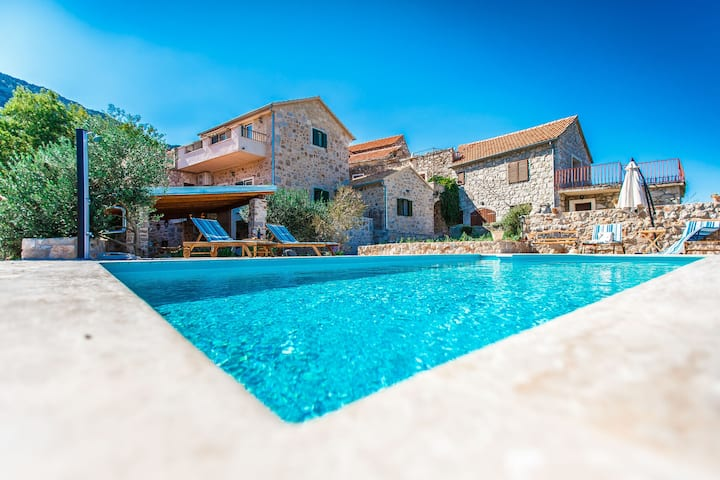 Villa Natura, private pool & spectacular view