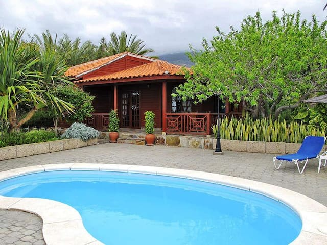 Tenerife south wooden house with private pool