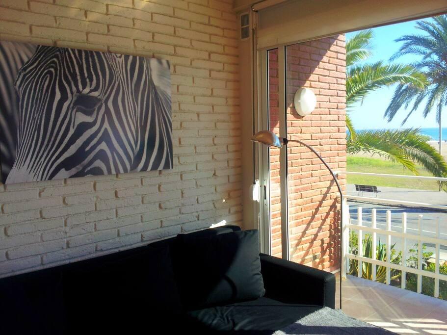 BeachFront 4+balcony+view+Barcelona
