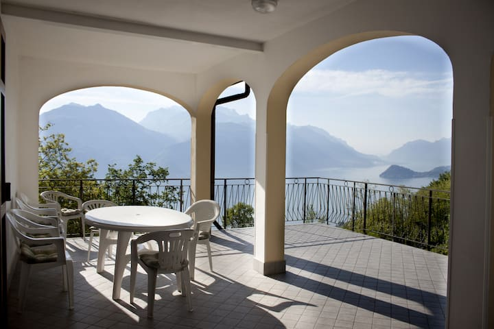 Como Lake Marvellous house-Menaggio - Plesio