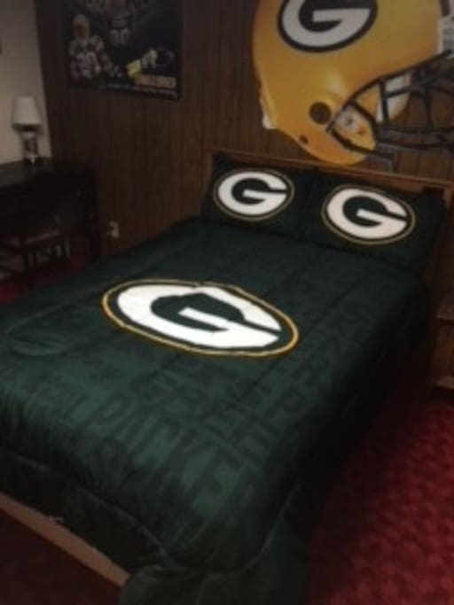 Packer Bedroom with Full sized bed.