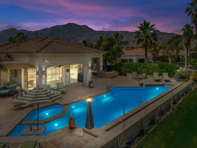 LUX Mtn Views on the Golf Course! Huge Pool w/ Waterfall & Spa!