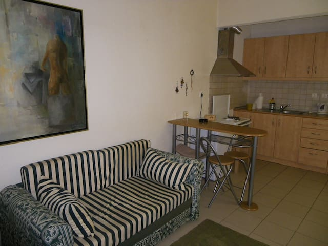 Mini suite bordering the centre - Thessaloniki - Apartment